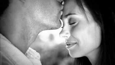 صورة القبلة الحنونة .. سر نجاح العلاقة