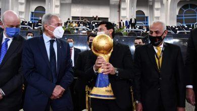 صورة وصول كأس العالم لكرة اليد إلى استاد القاهره