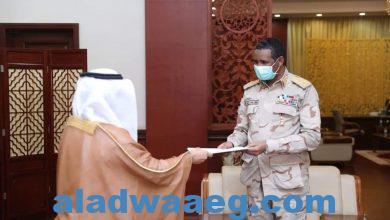 صورة النائب الأول لرئيس مجلس السيادة يلتقي سفير دولة الإمارات بالخرطوم