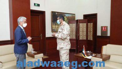 صورة النائب الأول لرئيس مجلس السيادة يستقبل مبعوث الاتحاد الافريقي محمد ولد لبات