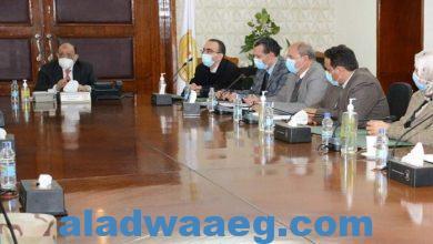 """صورة وزير التنمية المحلية يؤكد ضرورة الإسراع في تنفيذ مشروعات """"تطوير الريف المصري"""