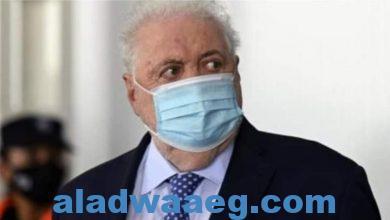 صورة استقالة وزير الصحة بالأرجنتين لقيامه بإعطاء لقاح كورونا لأصدقائه