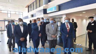صورة وزير الطيران المدنى يتفقد مطار القاهرة بعد جولة موسعة بمطار مرسى علم