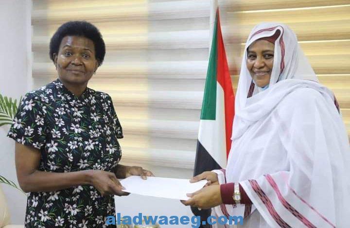 وزيرة الخارجية السودانية تتسلم نسخة من أوراق اعتماد سفيرة جنوب أفريقيا