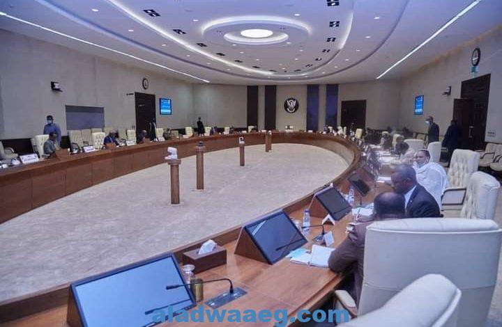 مجلس الوزراء يطمئن على جهود توفير الجازولين والبنزين والفيرنس