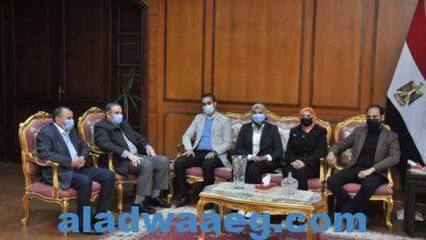 صورة رئيس جامعة كفرالشيخ يستقبل مسؤولو مبادرة« حياة كريمة» في المحافظة