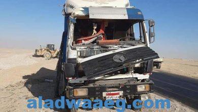 صورة انقلاب سياره فى  مدخل اسوان في الطريق الصحراوي