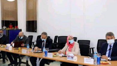 صورة إجتماع لدراسة إمكانية دخول الصناعة المصرية صناعة الفضاء