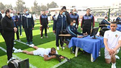 """صورة السيد الرئيس عبدالفتاح السيسي يتفقد الأنشطة التدريبية للطلبة الجدد بالكلية الحربية ويلتقي بأسرهم""""."""