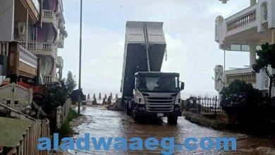 صورة مياه البحر تغرق شوارع المنطقة الأولى بمدينة رأس البر