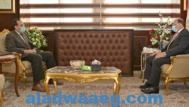 صورة وزير التنمية المحلية يلتقى ومحافظ شمال سيناء لمتابعة المشروعات التنموية