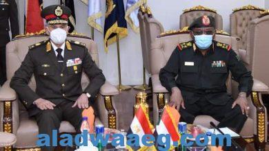 صورة رئيس أركان حرب القوات المسلحة يعود إلى أرض الوطن بعد إنتهاء زيارته الرسمية للسودان
