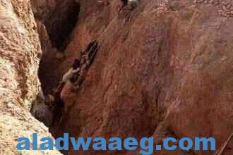صورة سقوط منجم ذهب بوادى حلفا بالسودان بداخله اكثر من 40 شاب بالقرب من أسوان ب350كيلو