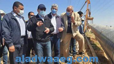 صورة وزير البترول يتفقد خط غاز مدينة العلمين الجديدة
