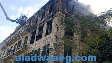 صورة محافظ القاهرة يوجه بتشكيل لجنة هندسية لفحص عقار الموسكي المحترق وإزالة آثار الحريق