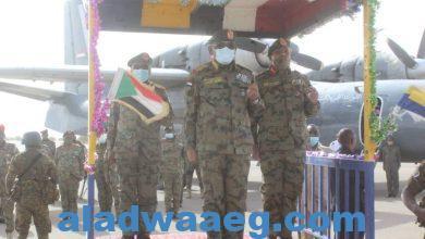 صورة رئيس هيئة الأركان يزور الفرقة ١٩ مروي