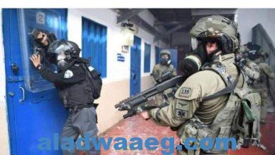 صورة اقتحام قوات إسرائيلية لسجن ريمون للتنكيل بالاسري الفلسطينيين