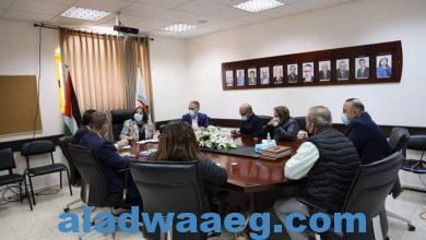 صورة وزيرة الصحة تعقد اجتماعاً مع مؤسسات المجتمع المدني  لقاء وزيرة الصحة ولجنة اللقاحات