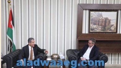 صورة وزير الشباب الأردني يلتقي السفير المكسيكي