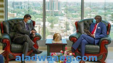 صورة وزير العدل السوداني يلتقي سفير ماليزيا بالخرطوم