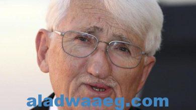 صورة فيلسوف ألماني بارز يرفض تسلم جائزة الشيخ زايد للكتاب