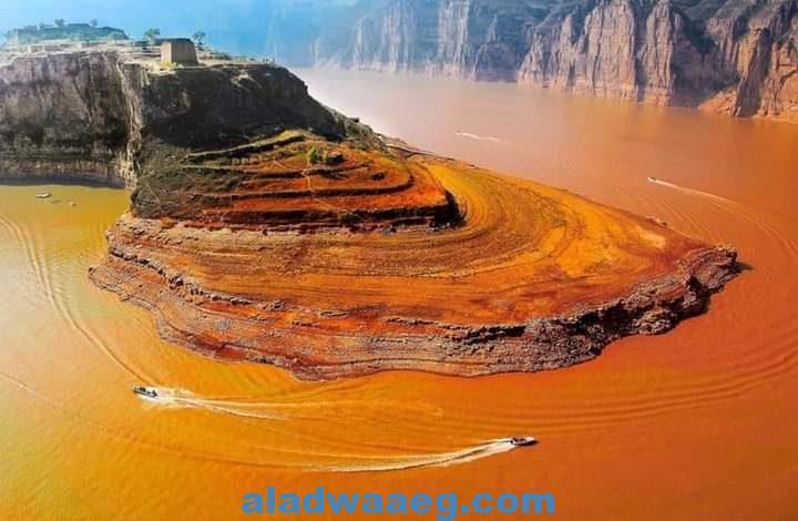 النهر الأصفر .. بقلم شاكر محمد المدهون
