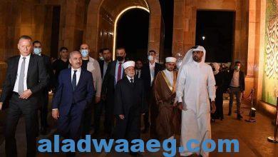 صورة اشتية خلال افتتاحه جامع قطر في روابي: مآذننا وكنائسنا نفتخر ونعتز بها