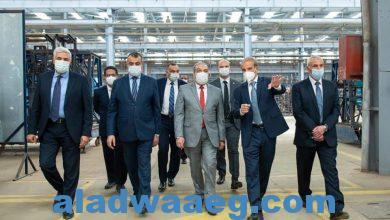 صورة وزير الدولة للإنتاج الحربي يتفقد أحد مصانع القطاع الخاص لبحث سبل التعاون