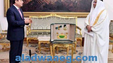 """صورة البرلمان العربى يمنح الرئيس السيسي """"وسام القائد"""