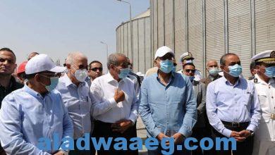 صورة رئيس الوزراء يتفقد مجمع الورش الحرفية بمدينة المستقبل بالإسماعيلية