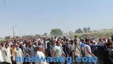 صورة في جنازة مهيبة.. المنيا تودع عمدة صفط الشرقية