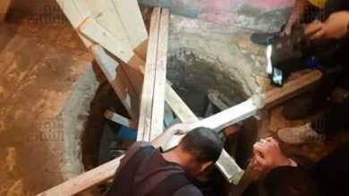 صورة وفاة شاب بعد استخراجه من حفرة للتنقيب عن الأثار انهارت عليه بسوهاج..