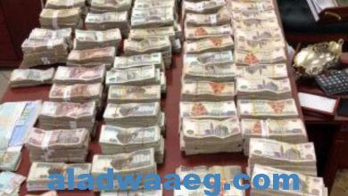 صورة الأجهزة الأمنية تلقي القبض علي المتهم وشريكه بالإستيلاء علي 200مليون جنية من المواطنين