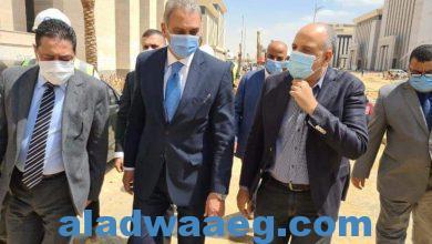 صورة وزير شئون المجالس النيابية في زيارة  الوزارة  بالعاصمة الإدارية