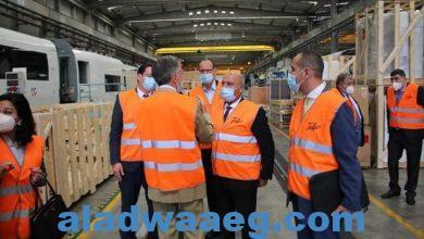 صورة وزير النقل يجتمع مع الإدارة العليا لشركة تالجو ويتفقد مصنعها بمدريد لمتابعة خطوط إنتاج القطارات ..